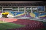 Suasana Stadion Manahan di Kota Solo, Jawa Tengah, Jumat (6/11/2020). Kementerian Pekerjaan Umum dan Perumahan Rakyat (PUPR) mulai melakukan renovasi empat lapangan pendukung untuk latihan dan Stadion Manahan yang akan menjadi venue utama pertandingan Piala Dunia U-20 tahun depan. ANTARA FOTO/Mohammad Ayudha/nym.