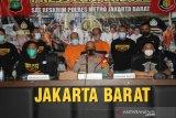 Polisi buru penyebar hoaks polisi gadungan saat tangkap pejudi togel