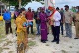 Pimpinan Bawaslu Sulut Resmikan Desa Sadar Hukum Karatung