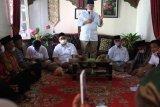 Warga Tanah Datar minta perbaikan jalan ke Nasrul Abit