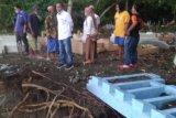 Cawabup Mamuju janji bangun tanggul penahan abrasi di Kelurahan Rangas