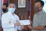 420 penjaga SD di Pati dapat bantuan Rp500 ribu