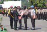 Pejabat Sekda Papua tutup binlat pra bintara noken di SPN Jayapura