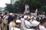 Sotong meninggal di tengah kerumunan massa FPI