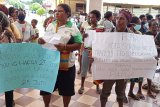 Pedagang orang asli Papua demo pertanyaan Perda Pemberdayaan