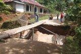 Kabar baik, jembatan Tatanggo Kambang Timur Pesisir Selatan akan diperbaiki awal 2021