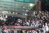 Video - Suasana kedatangan Habib Rizieq Shihab di Bandara Soetta