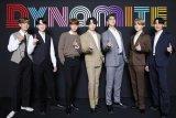 BTS kembali mencetak sejarah di Billboard Hot 100