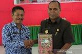 Alor luncurkan buku sejarah peringati Hari Pahlawan