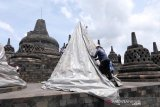 Antisipasi erupsi Merapi, Candi Borobudur ditutup terpal
