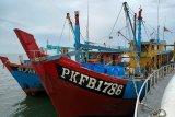 Petugas KKP ringkus dua kapal ikan asing berbendera Malaysia