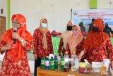 IAIN Palu  latih perempuan di daerah rawan bencana buat sabun cuci