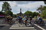 Ratusan pesepeda mengiringi perwakilan Women Cycling Community (WCC) Bali dalam rute terakhir kampanye