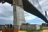 Taman di kaki  Jembatan Barelang