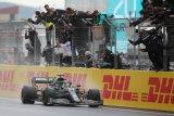 Lewis Hamilton raih titel ketujuhnya di F1 dengan kemenangan di Turki