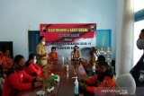 Polres Batang beri sembako sukarelawan COVID-19