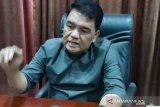 Personel Komisi III DPRD Manado pertanyakan  lampu Jalan mati