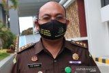 Jaksa menyiapkan materi gelar perkara korupsi proyek RSUD Lombok Utara