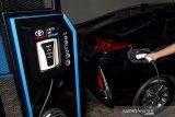 Toyota mulai jual mobil listrik baterai di Indonesia