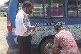 Pemkab Kapuas gunakan angkot Dishub bantu masyarakat desa datang ke kota