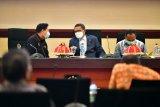 Gubernur Sulsel minta Pj Wali Kota Makassar bereskan persoalan calo e-KTP