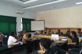 Kelompok tani pertanyakan bantuan di Dinas Pertanian dan Peternakan Lombok Tengah