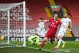Absen lebih dua bulan kerena cedera, penyerang Liverpool Jota kembali berlatih
