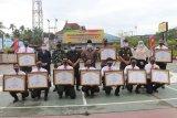 Sembilan personil Polres Inhil ungkap sabu 50 kg terima penghargaan