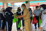 Dinas P3AP2KB Sultra memberi bantuan warga binaan LPP Kendari