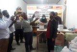 KPU Yalimo, Bawaslu dan perwakilan paslon cek logistik pilkada serentak