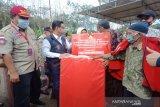 Kemensos-Komisi VIII DPR bantu alas tidur dan selimut pengungsi Merapi