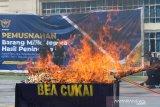 Bea Cukai Sulbangtara memusnahkan barang senilai Rp1,01 miliar