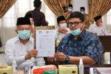 Dukung Pilgub jujur dan adil, Ali Mukhni tandatangani Pakta Integritas Pilkada Sumbar