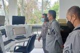 Kepala Bakamla ZMTh melakukan isnpeksi SKPPL Kupang