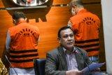 Tersangka suap, KPK tahan Wali Kota Cimahi dan Komisaris RSU Kasih Bunda
