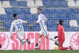 Inter tundukkan Sassuolo 3-0 sekaligus depak sang lawan dari posisi kedua