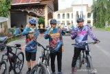 Peringati HUT Korpri yang ke-49, Pemkab Solok gelar sepeda santai