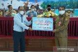 Pemkot Pariaman gandeng Bank Nagari salurkan bantuan personal pendidikan
