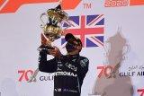 Hamilton juarai GP Bahrain yang kacau balau, Grosjean lolos dari maut