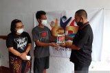 ANTARA serahkan bantuan gawai anak wartawan di Papua