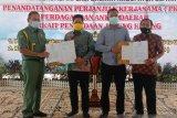 Pemkab Keerom-Blitar tandatangani perjanjian kerja sama perdagangan antar daerah