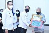 11 desa di Bangka terima penghargaan karena bayar PBB tepat waktu