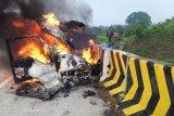 Kecelakaan di Tol Madiun-Nganjuk tewaskan tiga orang