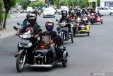 Penyandang disabilitas konvoi di Banyuwangi, Jawa Timur, Jumat (4/12/2020). Memperingati Hari Disabilitas Internasional, Penyandang disabilitas di Banyuwangi melakukan konvoi mengkampanyekan fasilitas publik yang ramah. Antara Jatim/Budi Candra Setya/mas.
