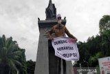Dukung KPK, tokoh masyarakat Solo Habib Hasan gelar aksi tunggal