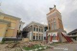 Menara Masjid Islamic Center Roboh