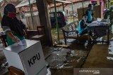 Tinggi, tingkat kehadiran pemilih di TPS terendam rob di Demak