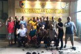 Petahana kalah, sejumlah anggota DPRD Jember cukur gundul