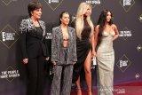 Kembali ke televisi, keluarga Kardashian buat kesepakatan dengan Hulu