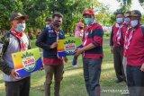 Gubernur NTB menyerahkan 100 ribu bibit pohon ke Pramuka